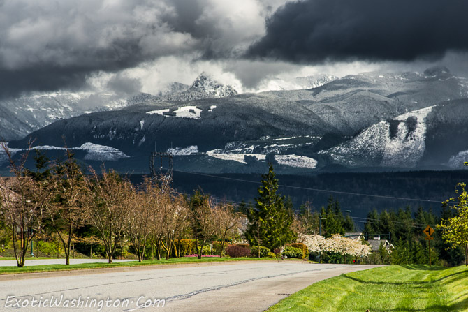 Seattle snoqualmie cascade mountain range cloud snow mountain
